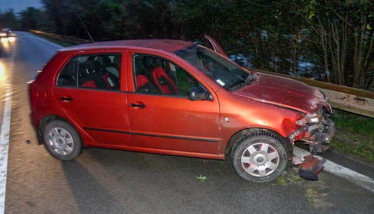 FOTO: Ranná autonehoda sa zaobišla bez zranení