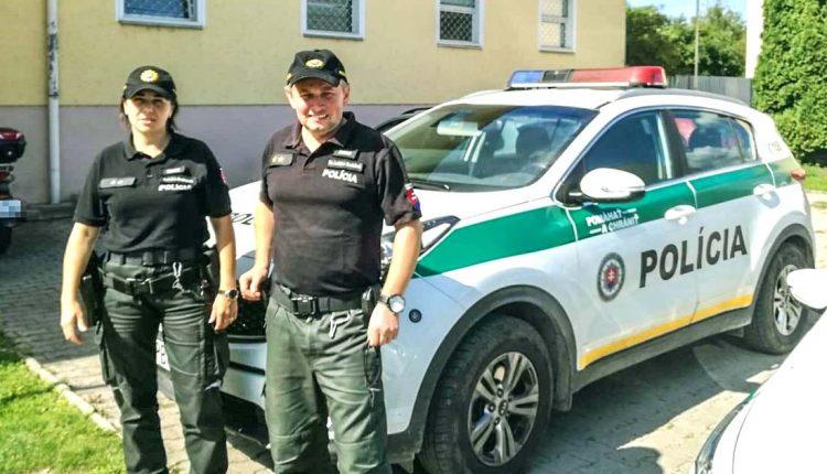 FOTO: Púchovskí policajti pomohli 11-mesačnej Dorotke