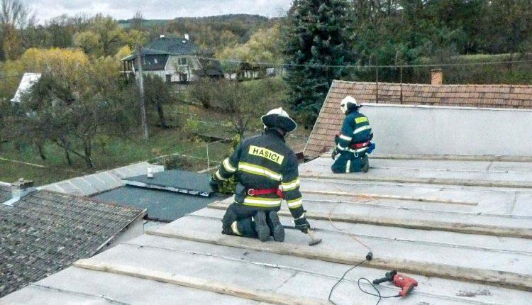 FOTO: Zásahová činnosť hasičov vdôsledku počasia v Trenčianskom kraji
