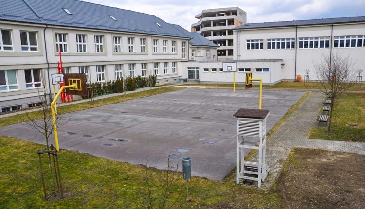 Púchovské gymnázium oslavuje sedemdesiatku, škola začínala v obecnej čitárni