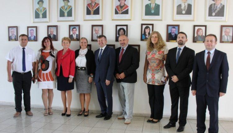 Návšteva veľvyslanca Bieloruskej republiky na Fakulte priemyselných technológií v Púchove
