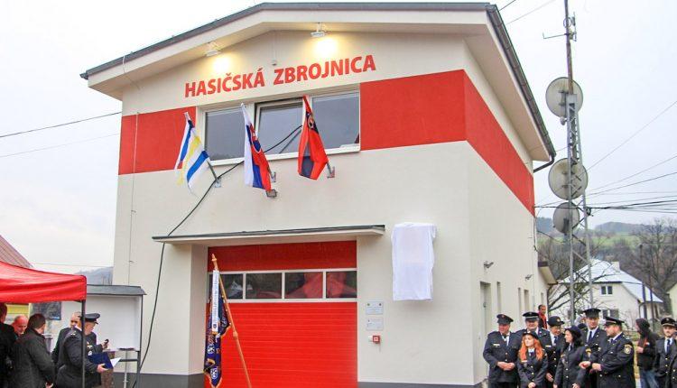 V Dohňanoch sprístupnili zrekonštruovanú hasičskú stanicu, ovládať sa dá aj mobilom
