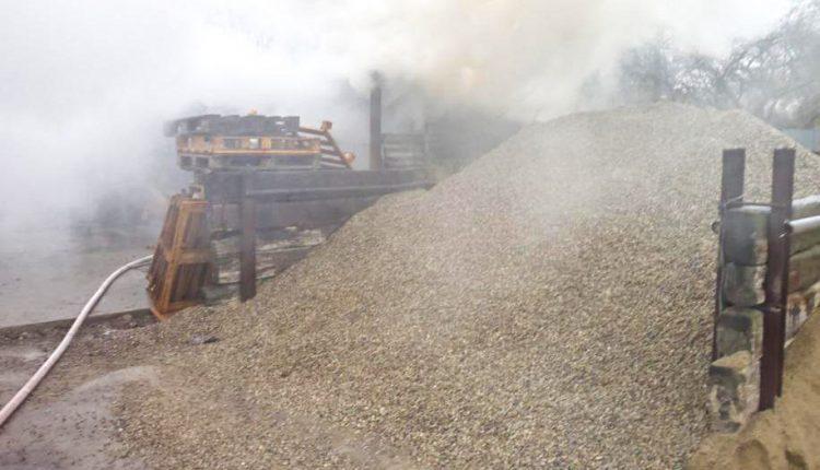 FOTO: Požiar palivového dreva a dymenie vrodinnom dome