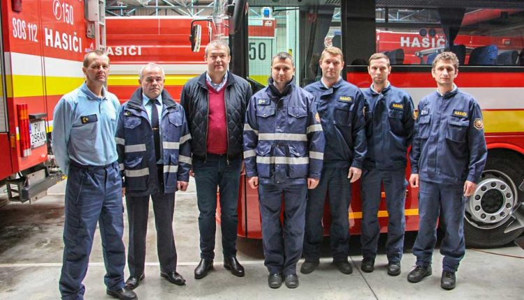 Silvestrovská návšteva u hasičov z Púchova a v Stredisku správy ciest