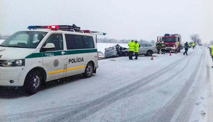 Nehoda v okrese Púchov zablokovala dopravu