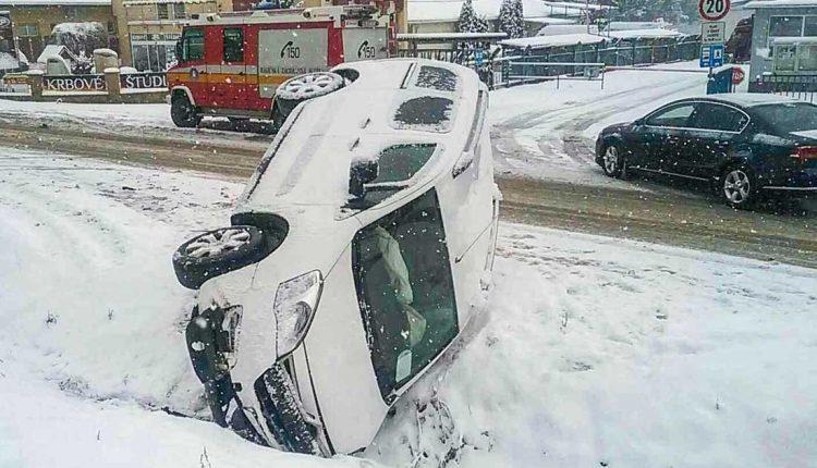 FOTO: Dopravná nehoda troch osobných áut