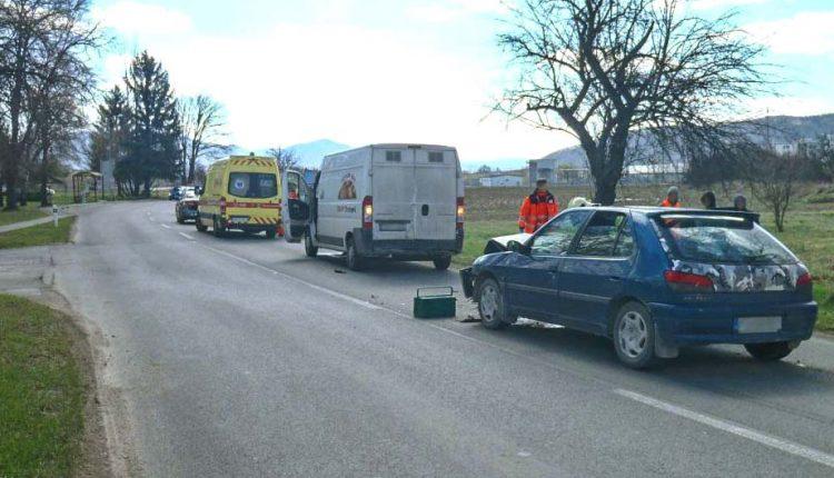 FOTO: Nehoda dvoch áut pri Kolonke