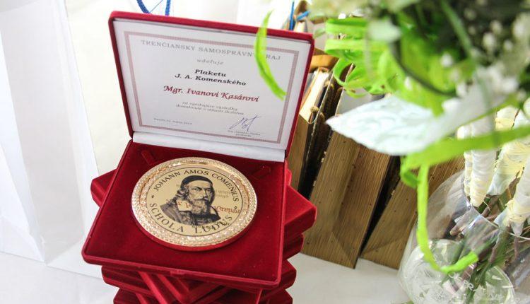 Najlepších pedagógov z Trenčianskeho kraja ocenili už po šiestykrát, plaketu Jána Amosa Komenského si prevzalo celkom 22 učiteľov