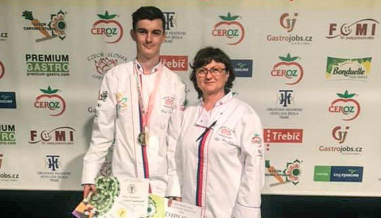 Erik Šamaj tretí na medzinárodnej súťaži v carvingu