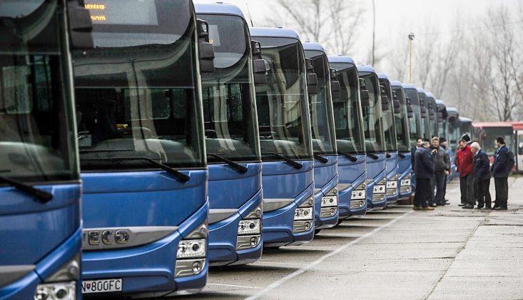 Modré autobusy budú premávať v režime školského vyučovania