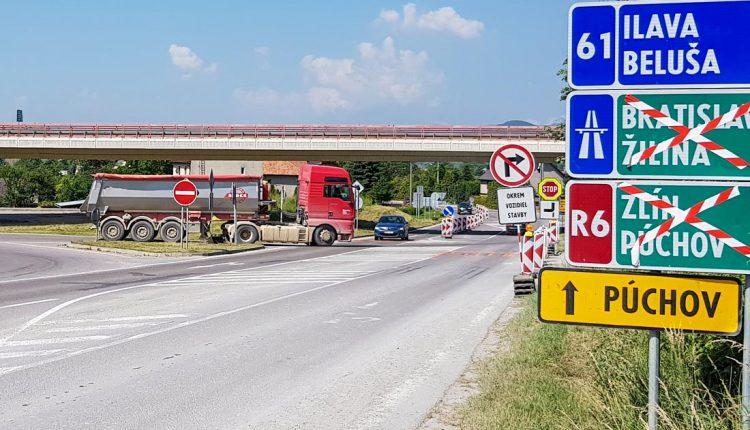 Šesťtýždňová uzávierka diaľničného privádzača – Beluša je plná kamiónov, vznikajú tu kolóny