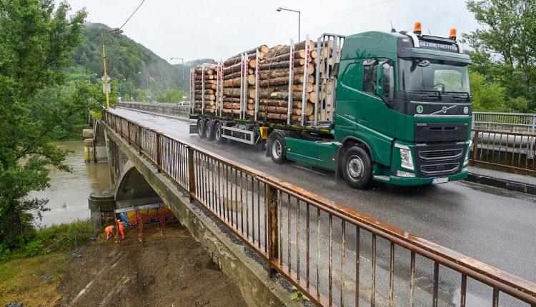 V Trenčianskom kraji sa opravia cesty a mosty za rekordne vysokú sumu