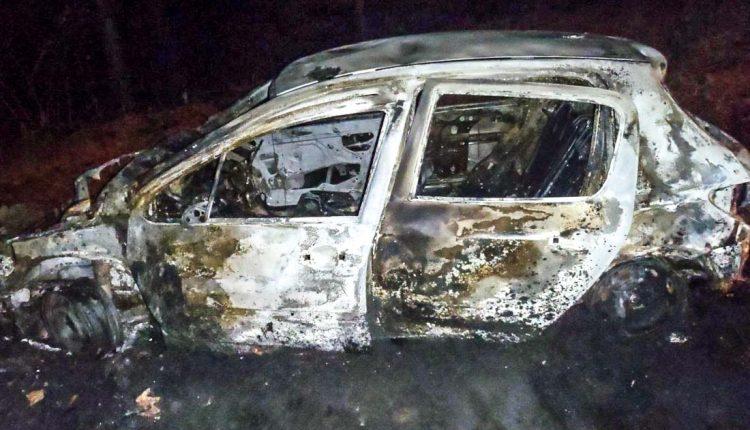 FOTO: Požiar auta a nehoda v Dohňanoch