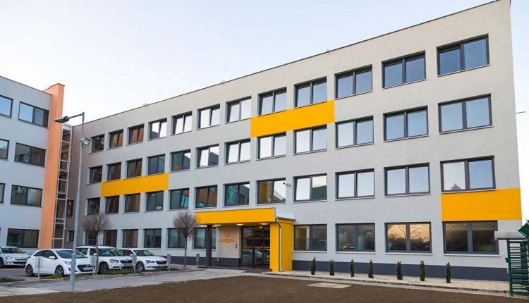Spoločnosť Continental oslávila otvorenie Kampusu Technologického centra v Púchove