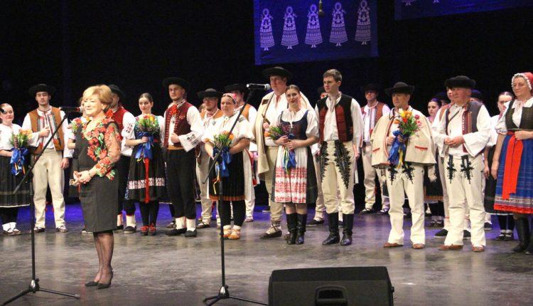 Folklór naprieč trenčianskym krajom pomáhal