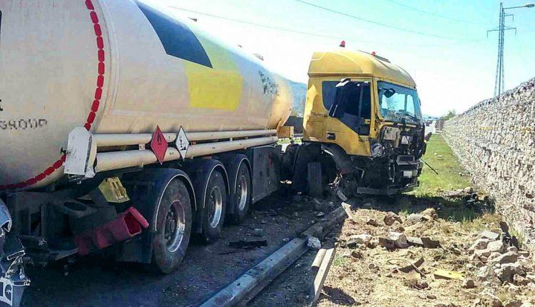 FOTO: Dopravná nehoda na diaľnici pri Beluši