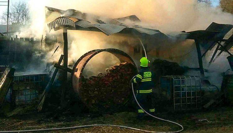 FOFO: Požiar stodoly, zvieratá sa podarilo zachrániť