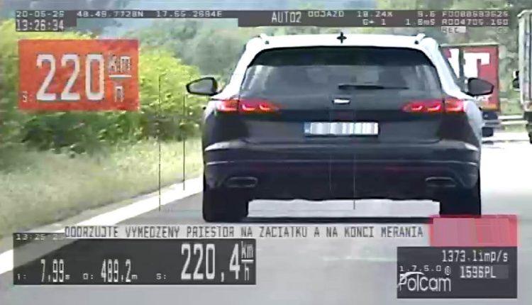 FOTO: Na diaľnici opäť namerali vodičov, ktorí viac dupli na plynový pedál