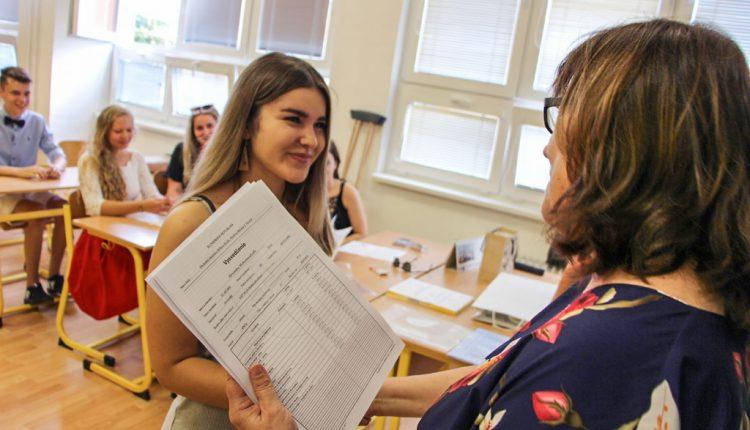 Vysvedčenie si v Trenčianskom kraji prevezme viac ako 11 tisíc školákov
