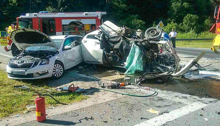 FOTO: Tragická nehoda, jedna osoba na mieste podľahla