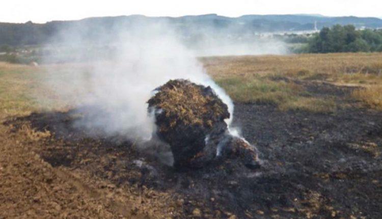 FOTO: Požiar slamy na poli v Dolných Kočkovciach