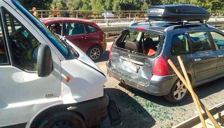 FOTO: Pri nehode došlo aj k zraneniu