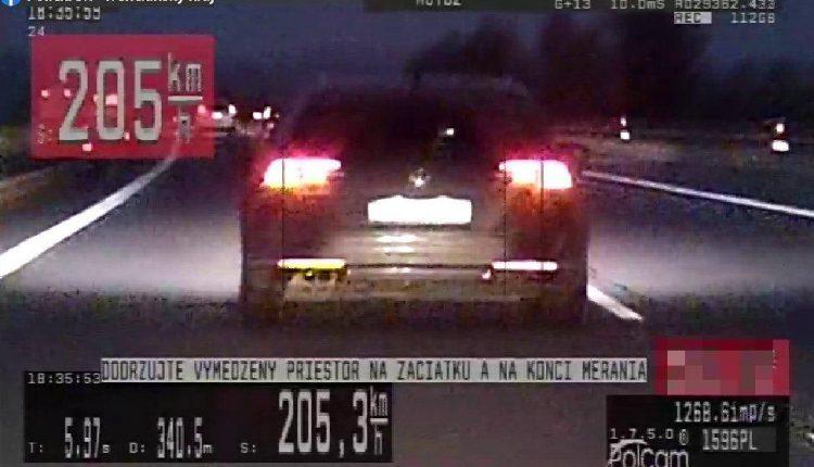 FOTO: Po diaľnici sa rútil rýchlosťou viac ako 200 km/h