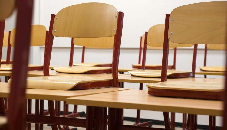 Minister školstva oznámil nové opatrenia v školách platné od 12. októbra