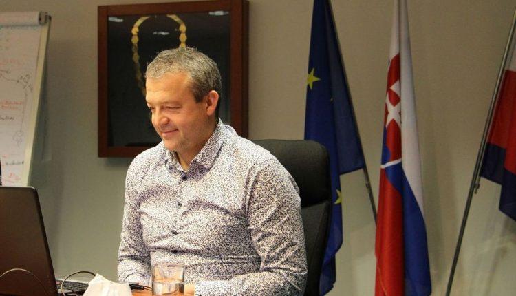 On-line vyučovanie so županom