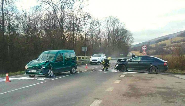 FOTO: Nehoda dvoch áut pri Dohňanoch