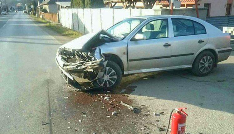 FOFO: Nehoda dvoch osobných áut a nákladného auta
