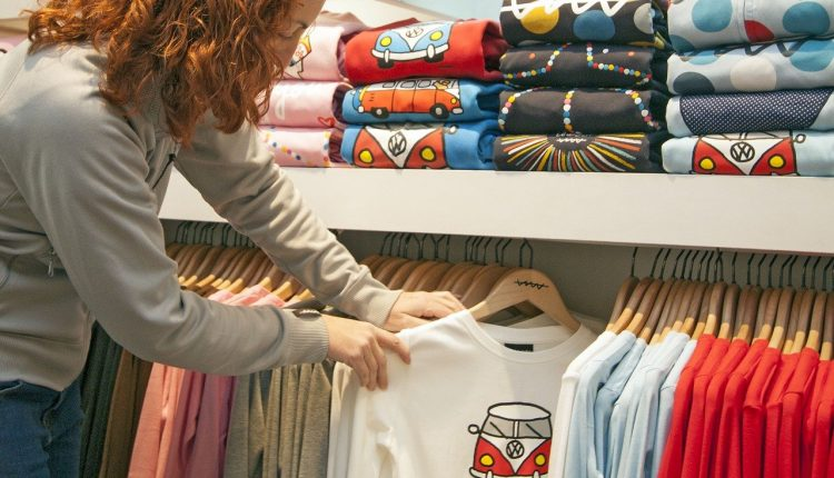 Od 19. apríla bude celé Slovensko v bordovej farbe, otvoria sa obchody, či služby