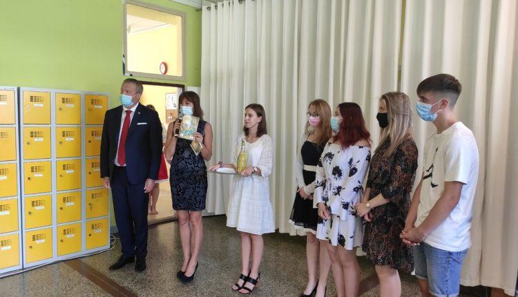 Zdravotnícka škola v Považskej Bystrici vstúpila do štvrtej desaťročnice