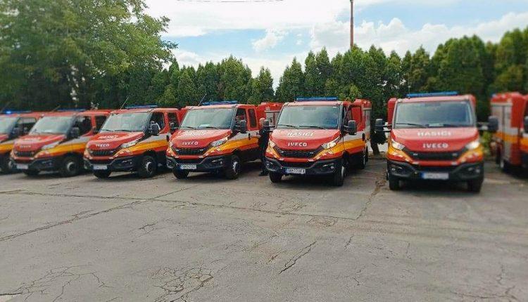 Nové hasičské autá putujú aj do obcí v našom okrese
