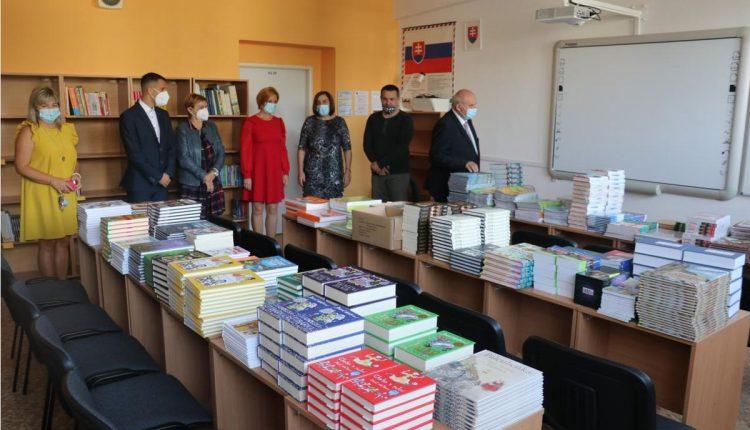 Základná škola Beluša výrazne zmodernizovala odborné učebne a školskú knižnicu